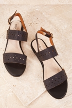 Wal laura  black small2