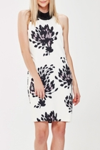 In the vanilla grove sleeveless nights   white floral 1 small2