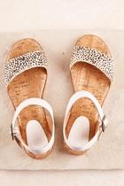 Rle sandal  snowleo small2