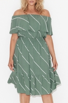 Ss1714 off the shoulder frill dress front1 small2